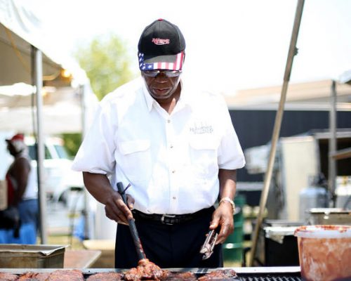 Robinson's Ribs is another Chicago institution that visitors will find at McCormick Square. Charlie Robinson and Robinson's Ribs have been serving up award-winning Chicago BBQ at McCormick Place since 1999.